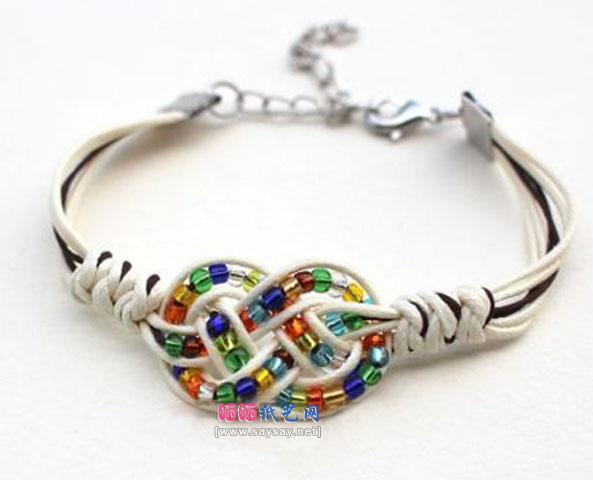 漂亮七彩玻璃珠手链串珠编织成品图