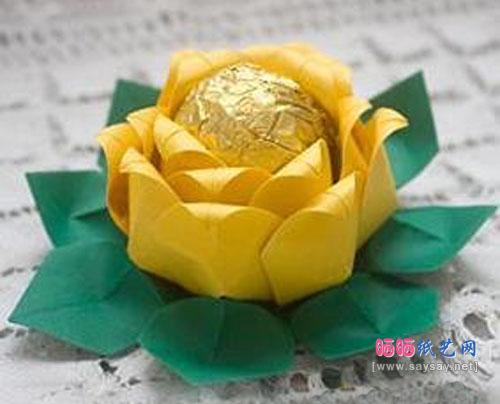 实拍带荷叶的睡莲花的折纸方法 纸艺制作教程大全